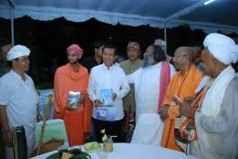 Maharaj Ji with governor of Bali (Indonesia)