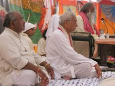 Swami Ji with WHP President Ashok Singhal ji